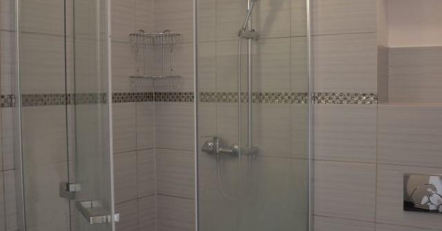 Stylowe pokoje z łazienkami